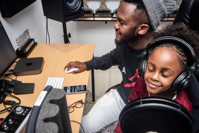 Kwesta records a song with his daughter and people can't wait to hear it