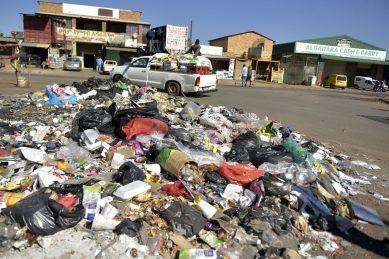 Palm Ridge rubbish strike standoff continues