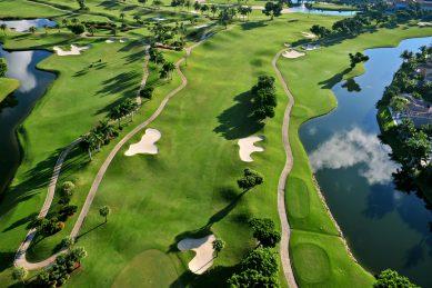 Golf warned after estates break government restrictions