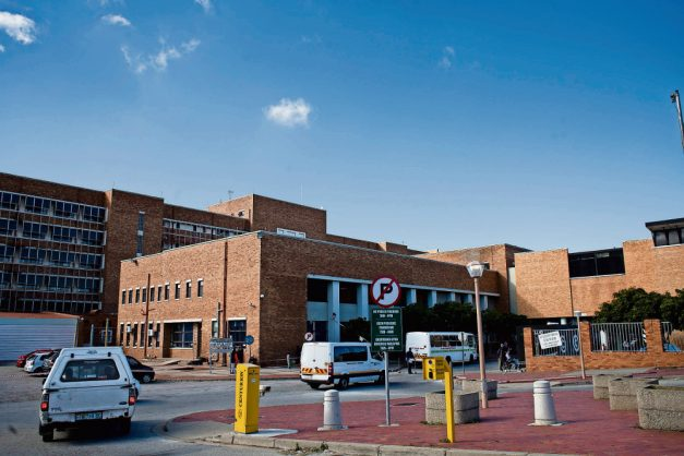 Used bedpans, overflowing bins, no food for hours – claims from Makhanda hospital isolated patients