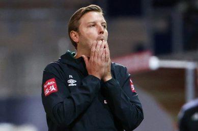 Werder Bremen decide to keep coach Kohfeldt after narrow escape