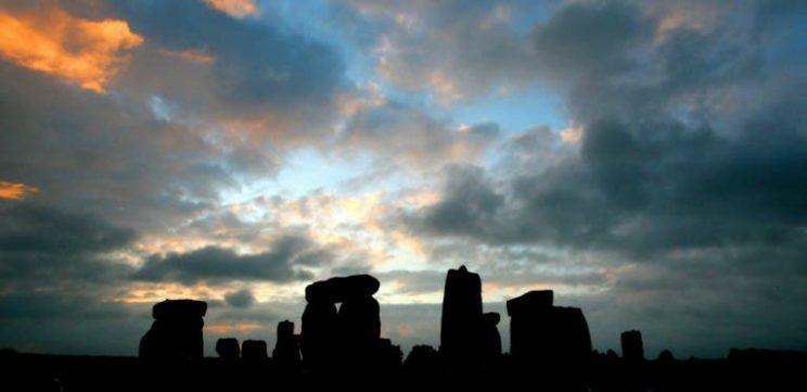 Study solves mystery origin of Stonehenge's iconic boulders