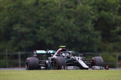 Bottas tops Hamilton in Mercedes one-two in final practice