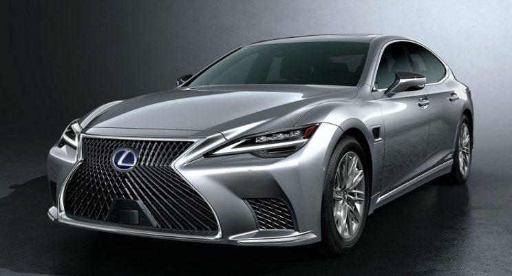 Lexus LS gently updated