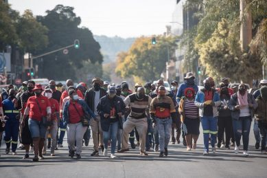 Three arrested over Samwu protests at Tshwane House