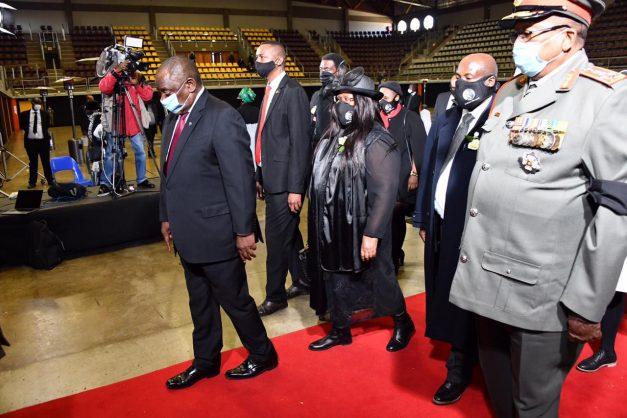 Bantu Holomisa questions ANC 'investigating itself'
