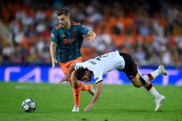 Brighton sign Ajax defender Veltman