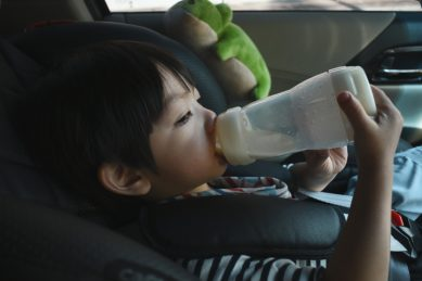 Here is how you can wean your toddler off the bottle