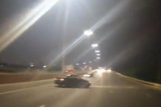 WATCH: Motorists spin cars on busy freeway while screaming 'the world is ours' - The Citizen