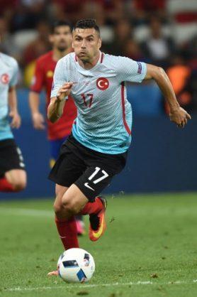 Lille sign veteran Turkish striker Yilmaz