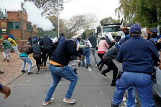 Critics blast SA govt for not taking action on Zimbabwe crisis
