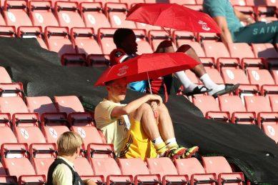 Ozil tells Arsenal 'I'll decide when I go'