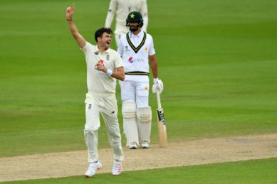 Anderson leads England revival as Shan Masood holds firm for Pakistan