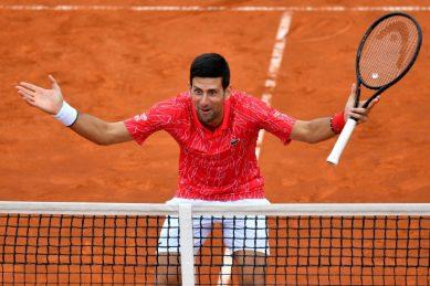 Djokovic comes to New York chasing Federer's Slam mark