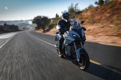 Biking with Bones – New BMW S 1000 XR on sale now