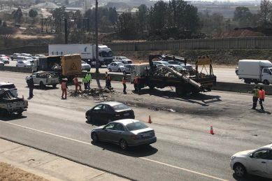 All four lanes still closed after fatal N1 north crash