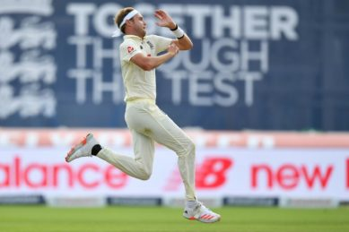 England's Broad fined by father over send-off of Pakistan's Yasir