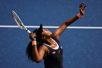 Osaka reverses course, will play WTA semi-final