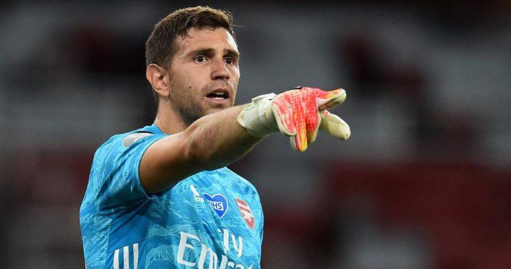 Aston Villa sign Arsenal goalkeeper Martinez