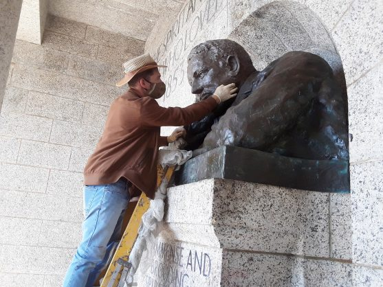 On with his head! Rhodes Memorial statue gets repaired