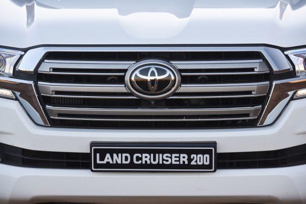 Toyota Land Cruiser 300's new V6 turbodiesel engine detailed