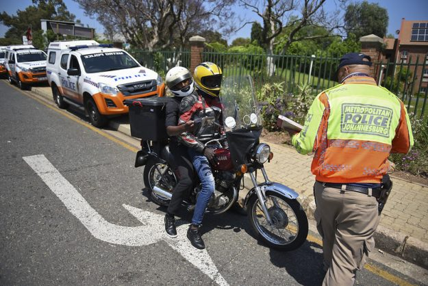 WATCH: Cops clamp down on licence offenders