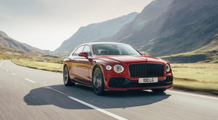 Bentley Flying Spur loses weight and four-cylinders as V8 joins W12