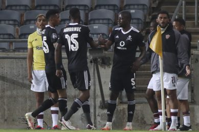 Pirates stuck in first gear as Stellies hold them to another draw