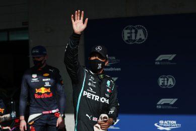 Record-seeking Hamilton grabs dramatic late pole in Portugal