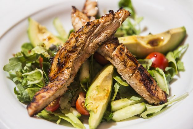 Delicious chargrilled chicken salad recipe with avocado and peppers