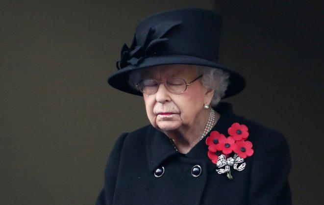 Pope, Queen Elizabeth join vaccine drive as UK tops 3 million cases