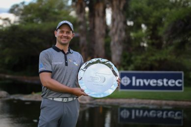 No stopping Van Tonder as he claims fourth title in last six starts