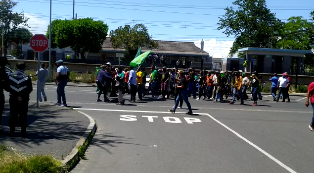 WATCH: Rubber bullets fly as PAC protests outside Brackenfell High School