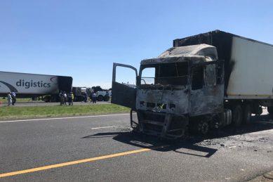 Trucking war costs a bundle and sabotages economy – economist