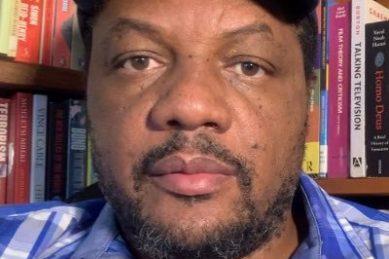 Zim journalist still behind bars over tweet