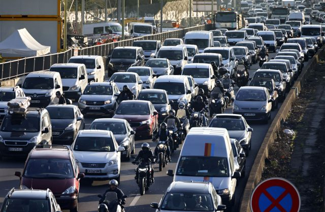 Motorists warned: Service your cars before you travel this festive season