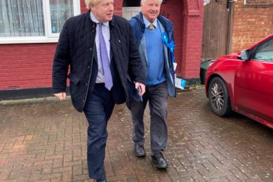 Boris Johnson's father seeks French citizenship