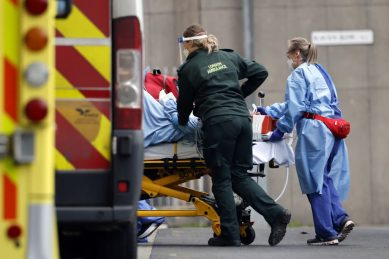 UK registers record 1,610 Covid daily deaths