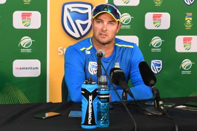 Proteas forced to charter last-minute flight in dash to Pakistan