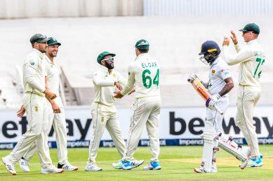 Ngidi, Sipamla wrap up Lankan innings to put Proteas on brink of victory