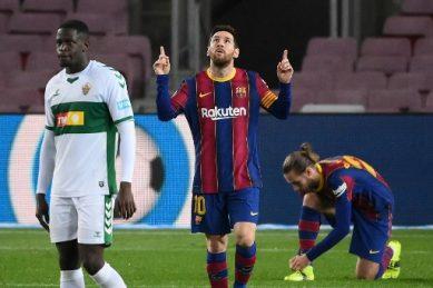 Messi scores twice as Barcelona dispatch Elche