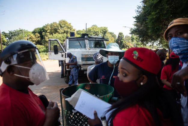 WATCH: Parents, EFF disrupt classes at Pretoria school, demanding placement