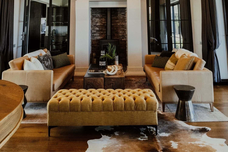 De Toren's sleek leather couches