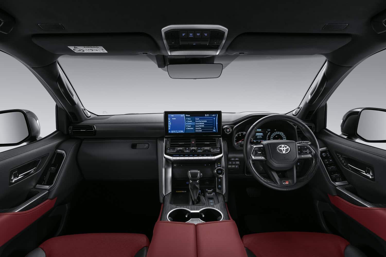 Toyota Land Cruiser 300 interior picture