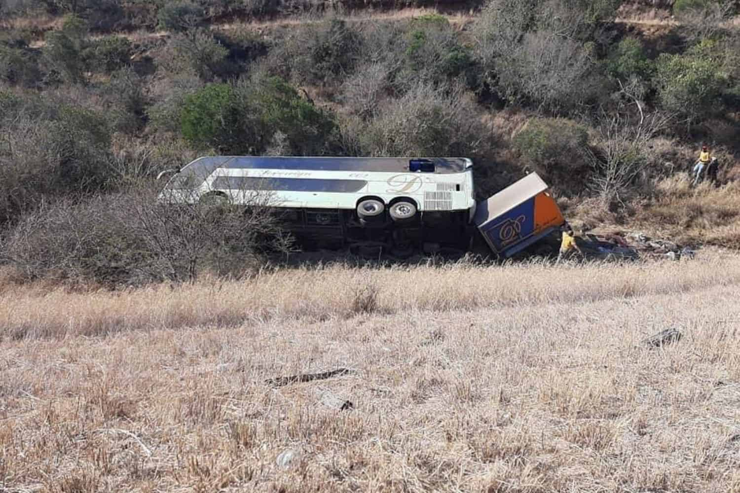18 feared dead after Eastern Cape bus crash